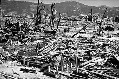 Hiroshima_Nagasaki_in_1945